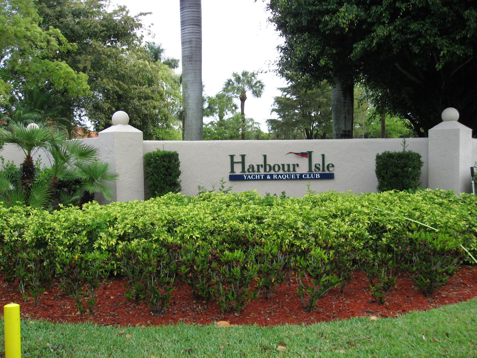 harbourisle main entrance